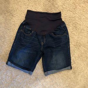 Old navy maternity cuffed Bermuda shorts